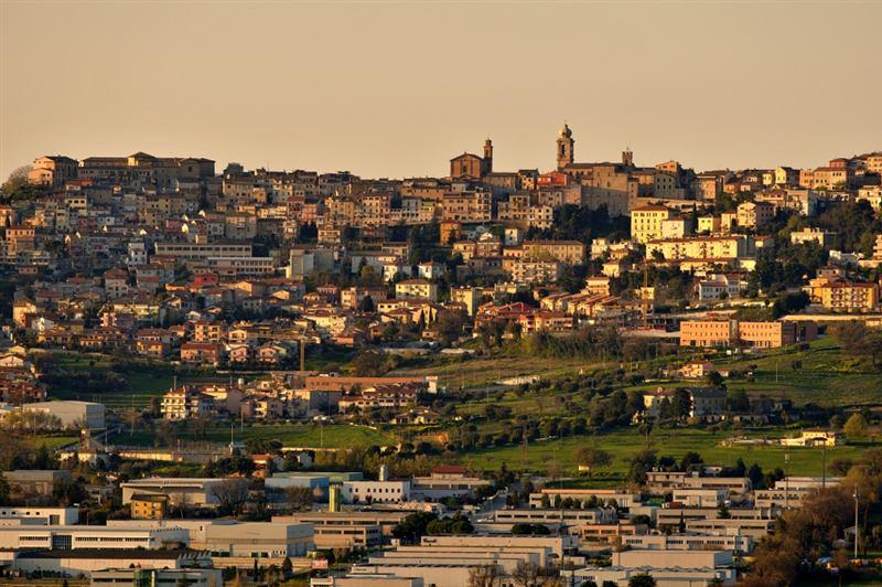 Panoramica al tramonto di Castelfidardo