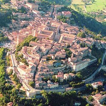 Vista dall'alto di Urbino