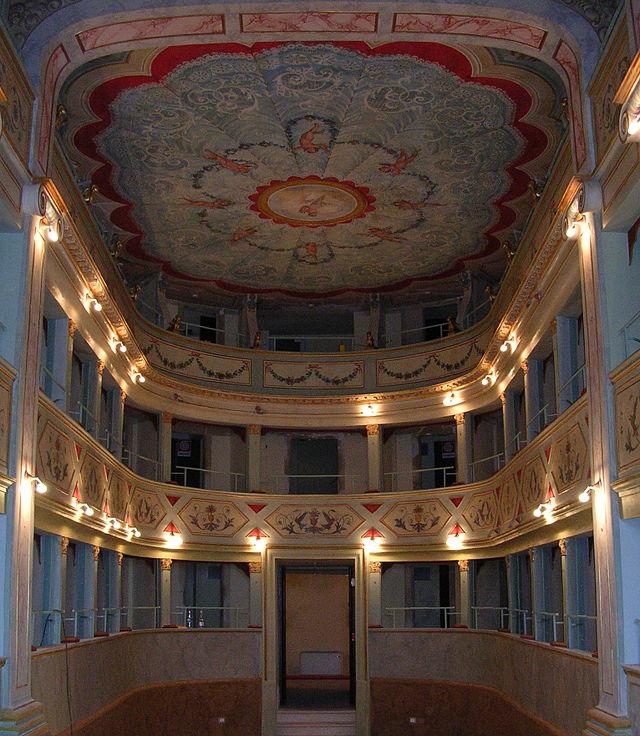 Teatro_Apollo-Mondavio-Vista_dei_palchi