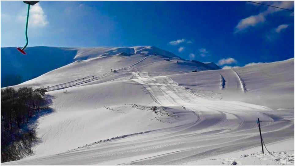 Neve sui Sibillini: riaprono le piste da sci a Bolognola