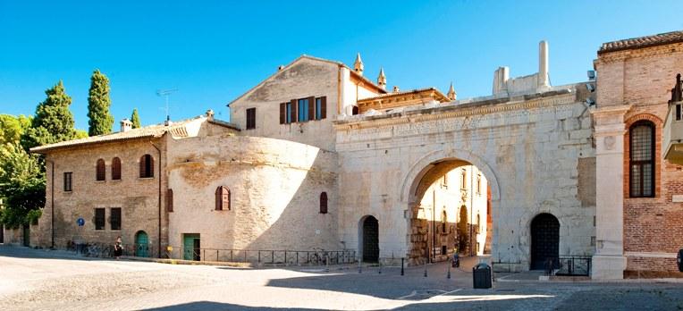L'Arco d'Augusto di Fano