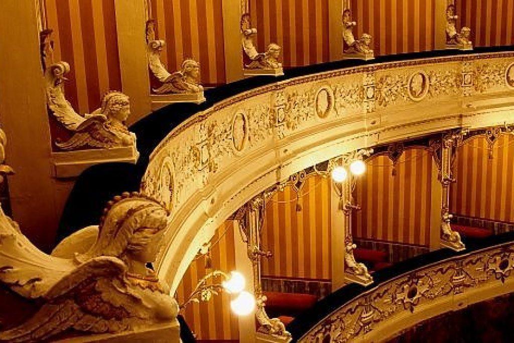 14 teatri da vedere nelle Marche