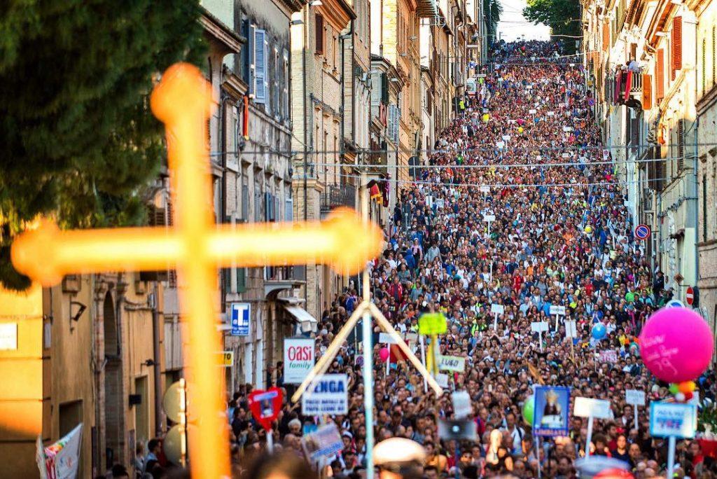 5 foto del pellegrinaggio Macerata – Loreto
