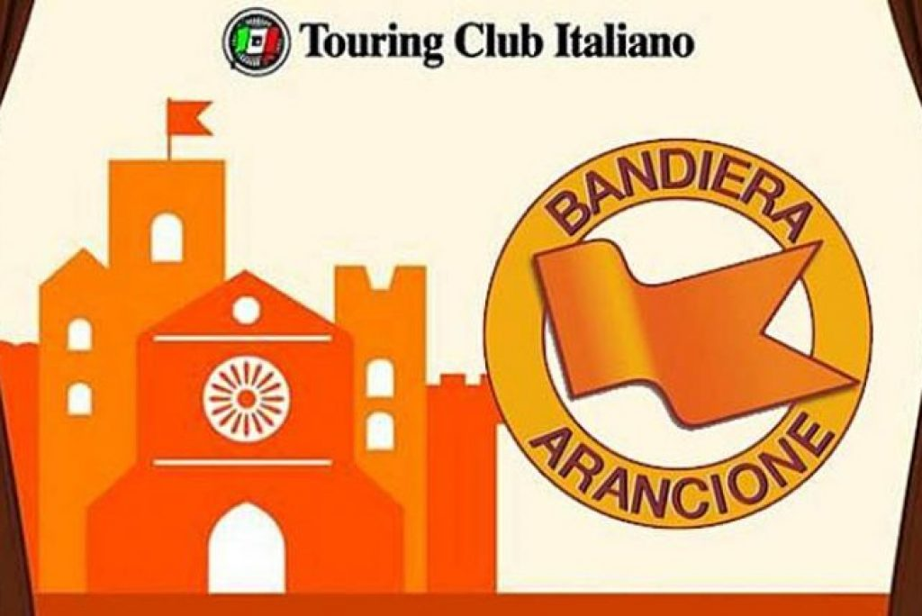 Which villages in the Marche have received the orange flag?