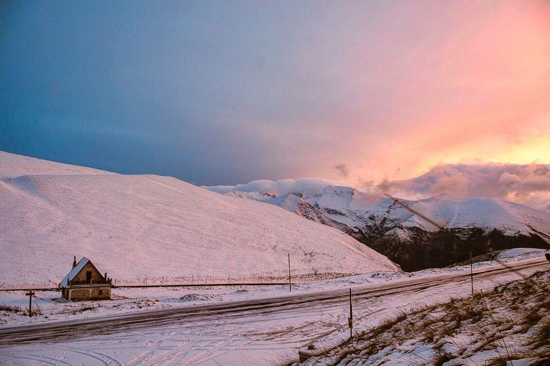 Le foto della prima neve nelle Marche