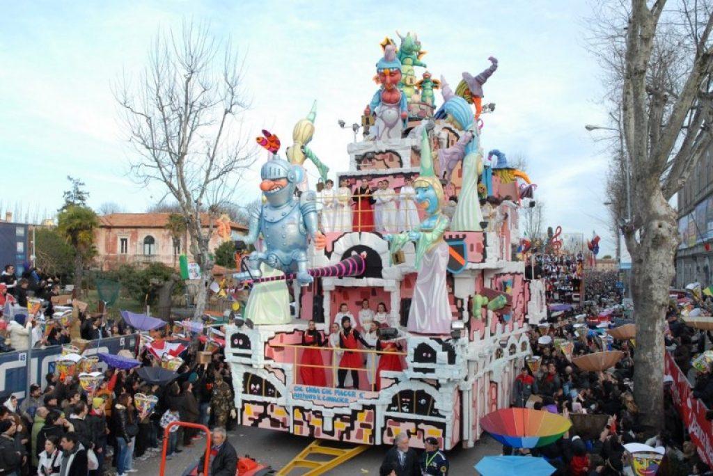 Was ist der älteste Karneval Italiens?