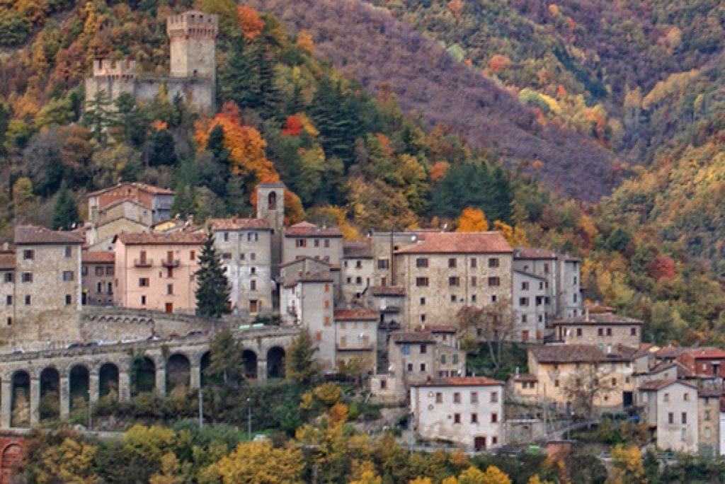 Qual è l'unico paese in Europa racchiuso in due parchi nazionali?