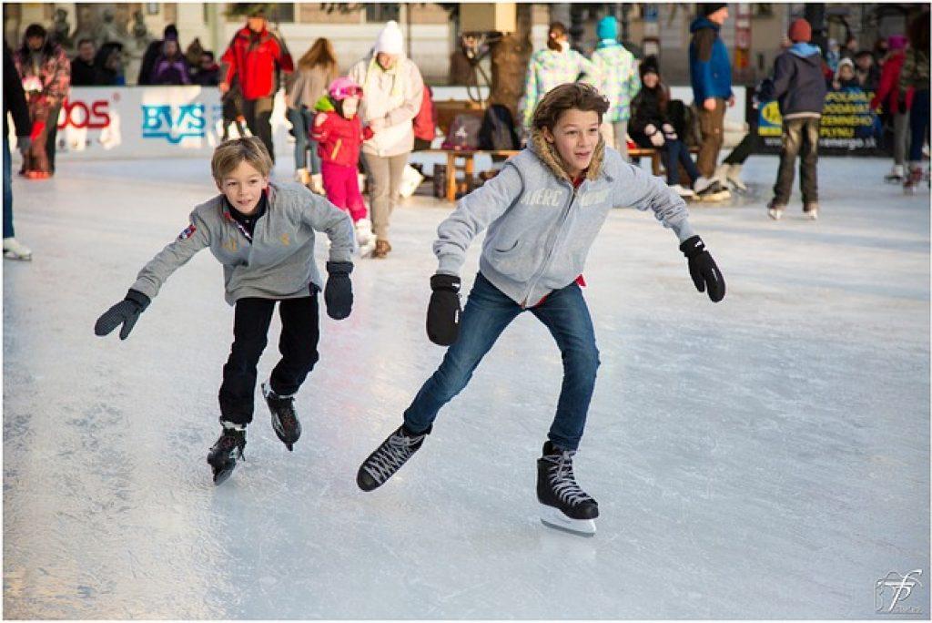 L'elenco delle piste di pattinaggio sul ghiaccio nelle Marche