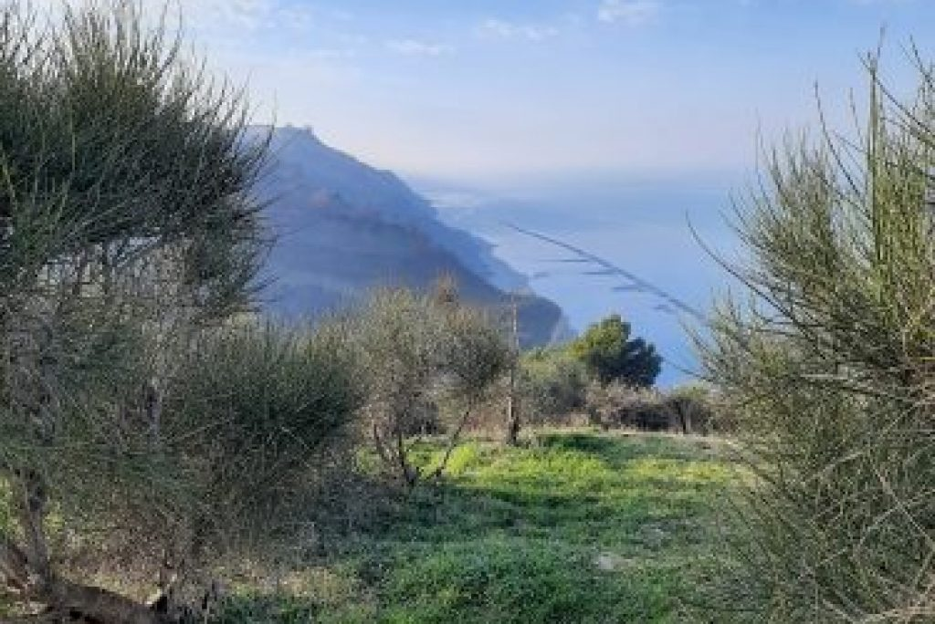 Nelle Marche per un'escursione a picco sul mare