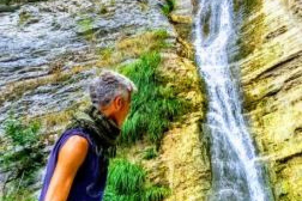 3 magiche escursioni nelle Marche che portano a cascate