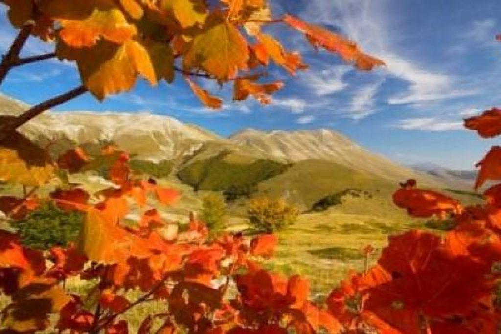 La Val di Panico: un'escursione nelle Marche tra i colori del Foliage ed atmosfere da fiaba