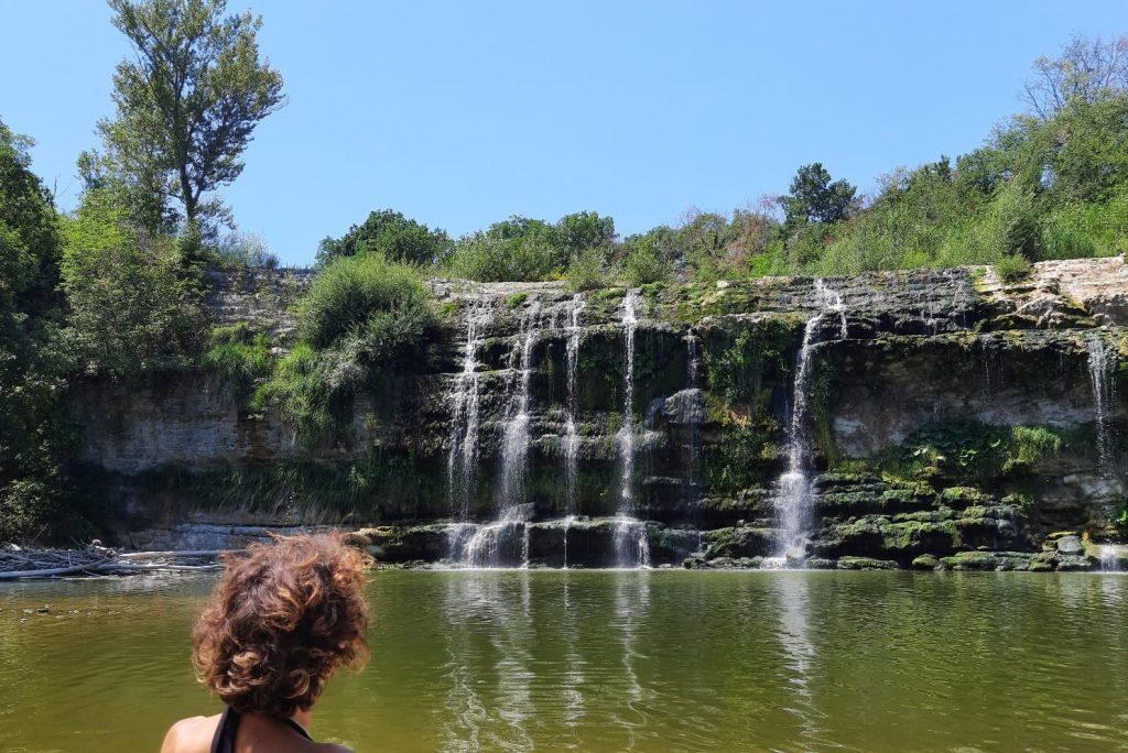 La Cascata del Sasso e le Gole del Burano: 2 cose assolutamente da fare nell'entroterra di Fano per rinfrescarsi dall'afa estiva