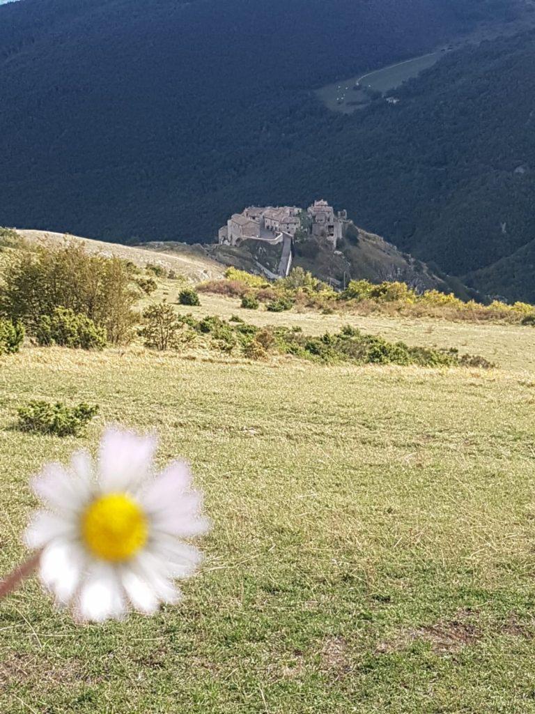 spettacolare escursione nella Riserva Naturale del Monte San Vicino 4