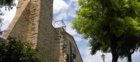 Fiorenzuola_di_Focara_-_Campanile_Chiesa_di_S_Andrea_it