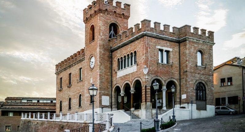 palazzo-comunale-torre-civica-mondolfo
